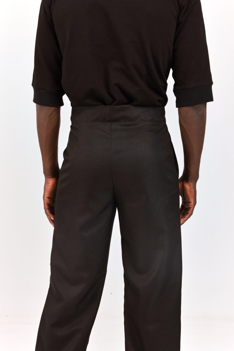 Men trousers tailored and loose black